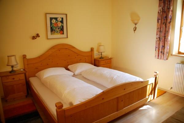 bedroom 1, Malfon